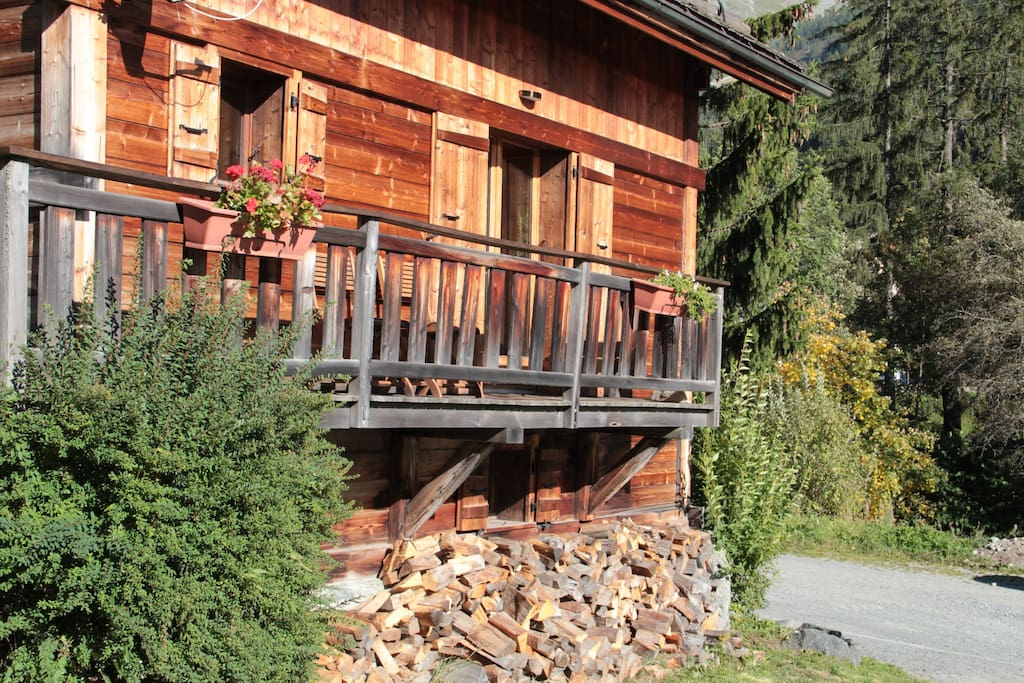 Fire wood supplied when renting Chalet Cachette