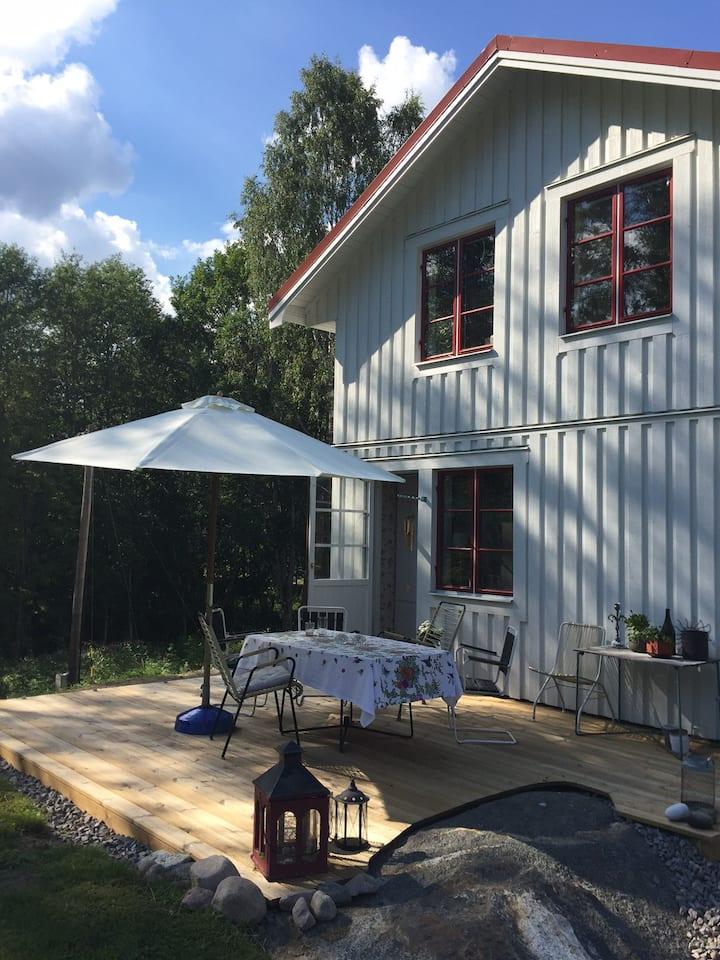 Naturnära rymligt boende för en aktiv semester