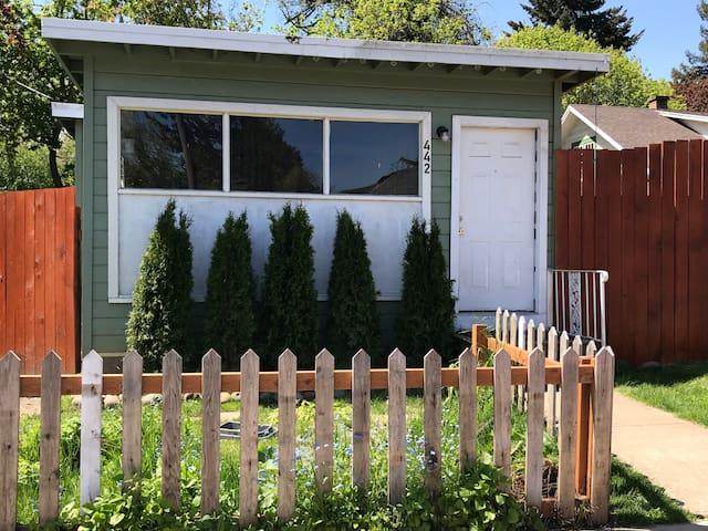 Beautiful Cottage, Heart of Eugene, Hot Tub!