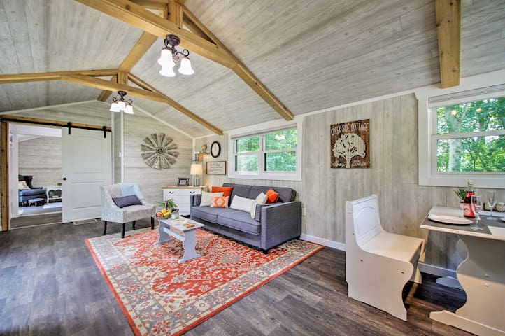 'Creek Side Cottage,' 45 mins to Notre Dame F-Ball