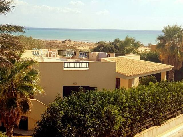 """Villa """"GIOVY""""  only a few steps from the sea."""