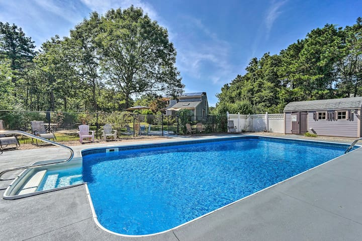 Mashpee House w/Pool, Fire Pit & Furnished Patio!