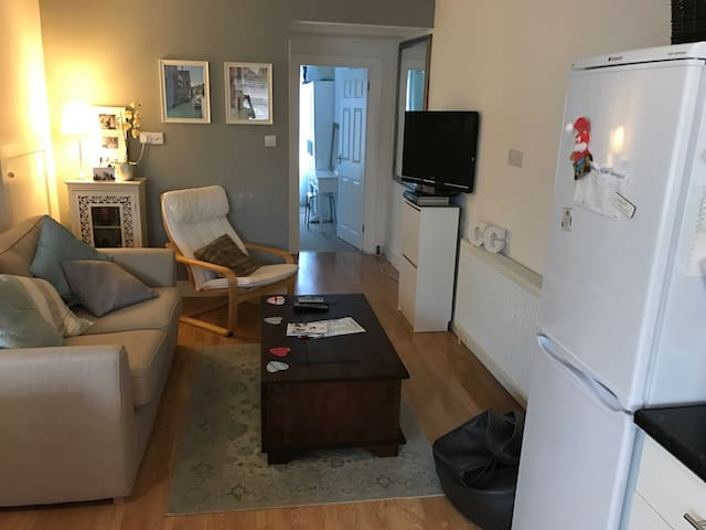 Open plan one bedroom apartment - Old Windsor - Lägenhet