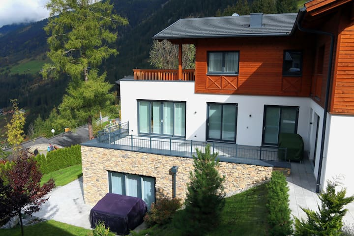 Luxury Chalet Bad Gastein - Escape and Relax