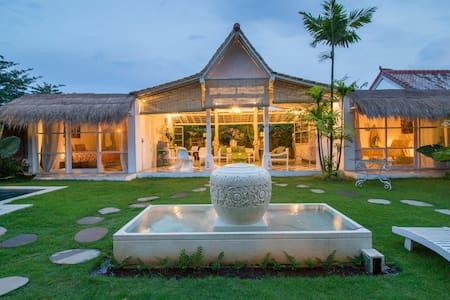 BoHo Chill Villa by Bingin Beach town - Kuta Selatan