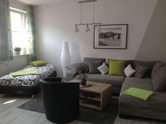 Liebevoll eingerichtete Ferienwohnung auf 82 qm - Salzwedel - Apartment