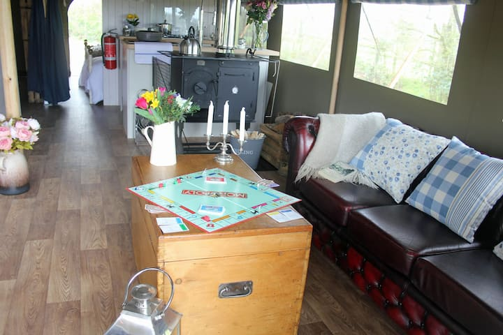 Lower Keats Glamping Safari Lodge 4 Sleeps 6