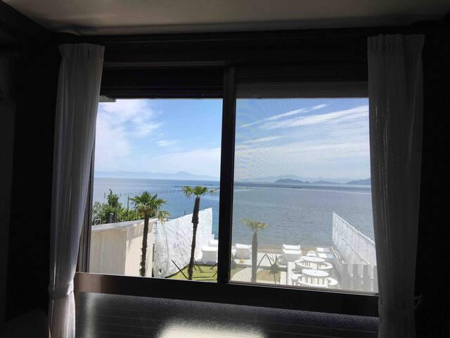 【202】お部屋から琵琶湖が一望、プライベートビーチあり。京都から40分、琵琶湖テラスまで車で5分!