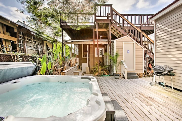 New Orleans Home w/Hot Tub-1 Mi to French Quarter!