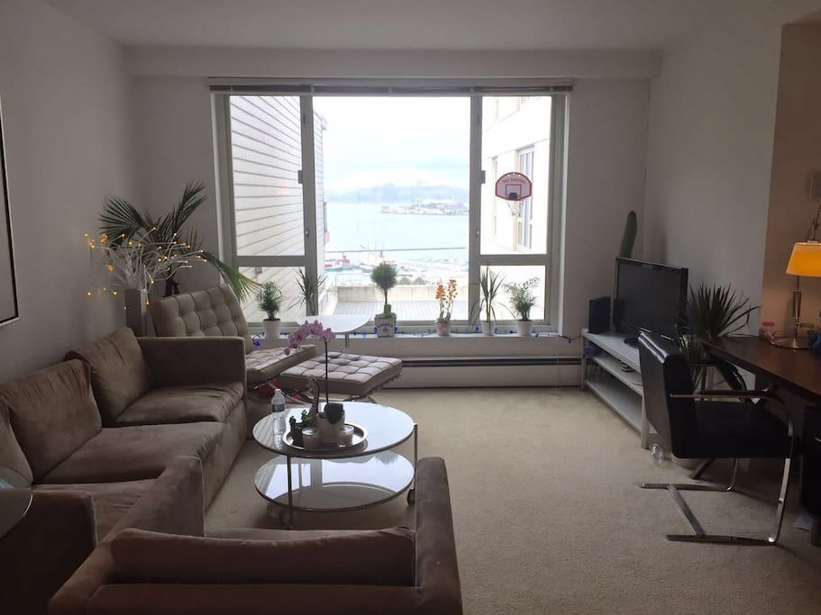 Living room with TV, Work desk, Sofa, VIEW!!!
