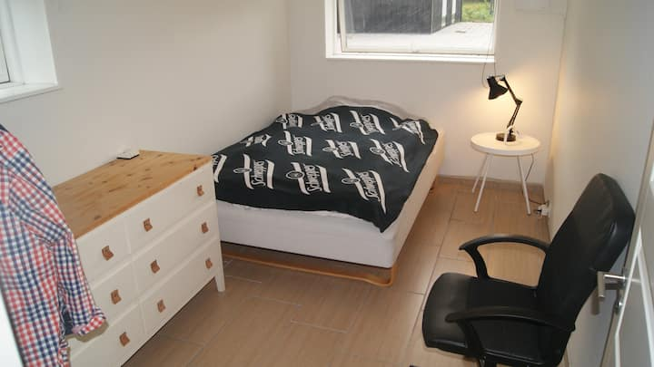 Clean room close to Novo Nordisk and city center