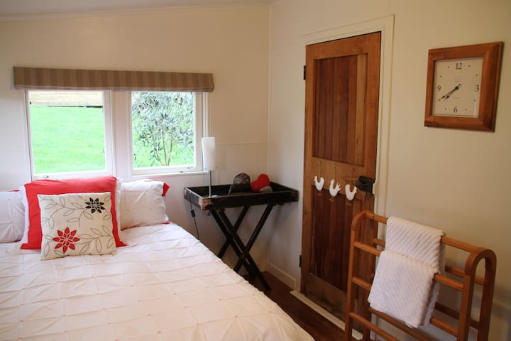 Rangitikei Farmstay - a must do kiwi experience - Marton - Hut