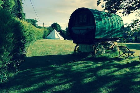 Sunnyhill Glamping - Apple - Borden