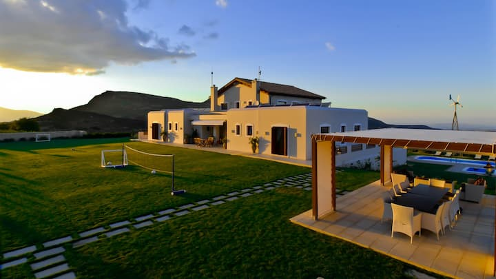 Luxurious Panoramic View Villa