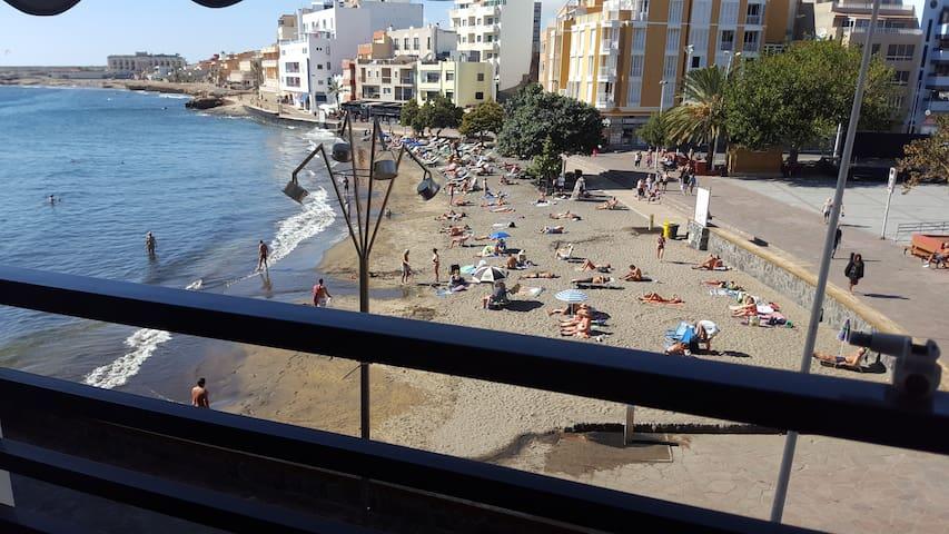 Luminosos apartamentos en 1ª línea de playa