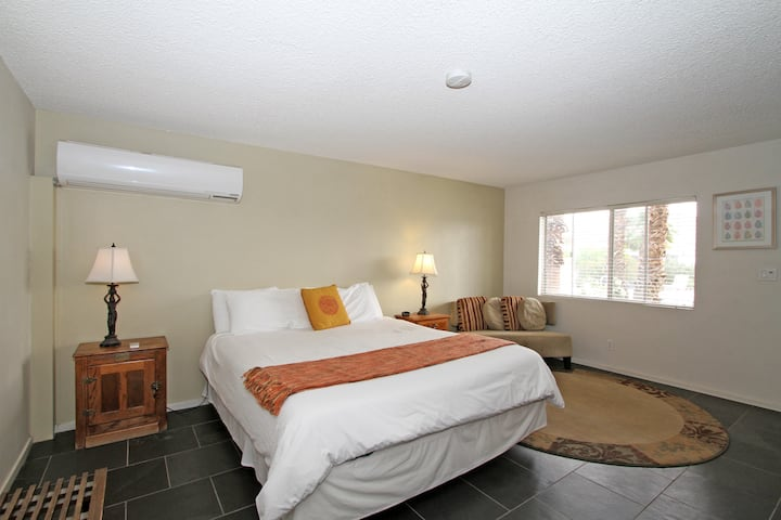 Superior-Triple room-Ensuite with Bath-Pool View-Deluxe King Room #4