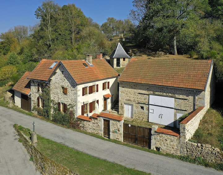 Traditional French Farmhouse with private garden