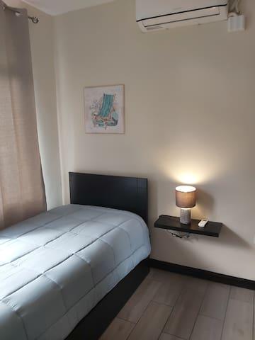 Habitación #2 con cama nido