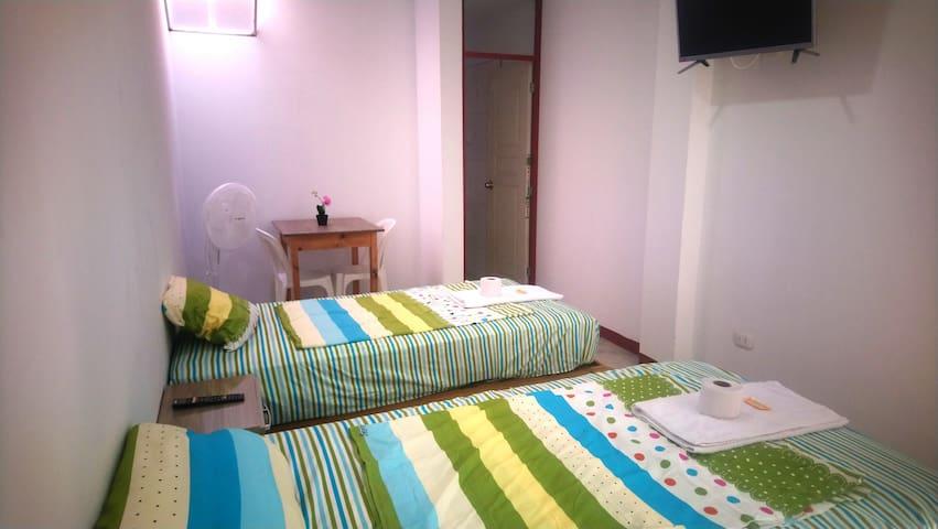 Habitación doble con baño privado, Tv, Wifi, ventilador