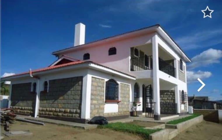 Perfect location and view - Naivasha