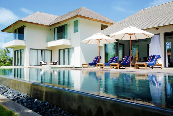 PRIVATE AND LUXURIOUS VILLA WITH POOL ANAHITA