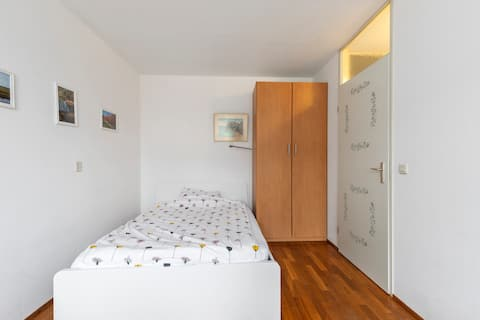 Nice quiet room for one person only