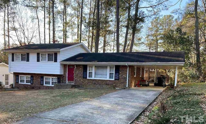 Rooms for rent in Cary home