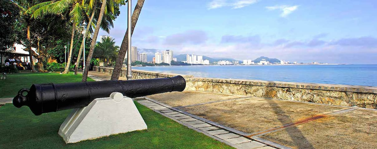 Fort Cornwallis offers great views of the bay and serves as a physical reminder of George Town's colonial past.