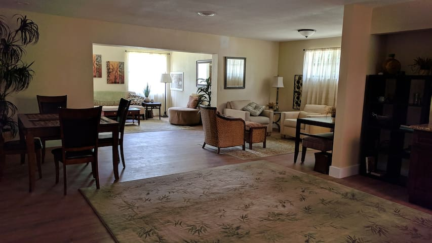 Beautiful/Spacious/min. to airport, shops & port