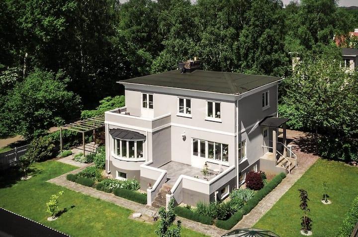 Vacker villa nära Mölle, ett stenkast från bad
