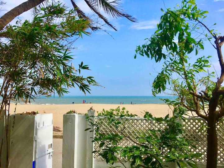 Serenity Beach, Villa Majorelle