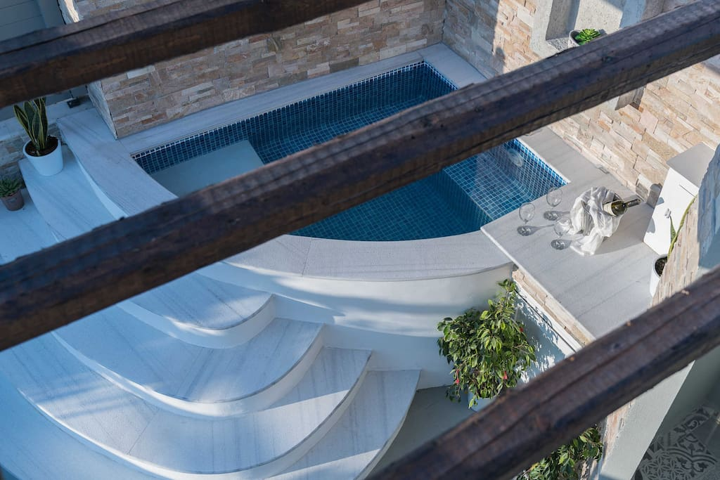 outdoor Jacuzzi top