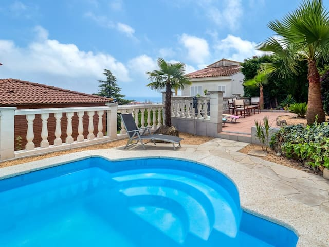 Large outdoor area, private pool and have fun