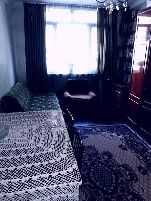 комната для гостей с 2-местным диваном guest room with 2 place sofa