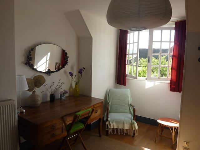 Chambre avec vue près de Cluny, Taizé, Tournus