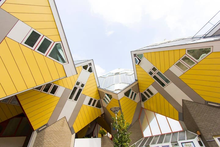 Unique Cube House in the ❤ of Rotterdam!