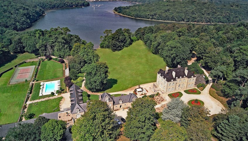 Château de Locguénolé: Chambre Supérieure vue parc