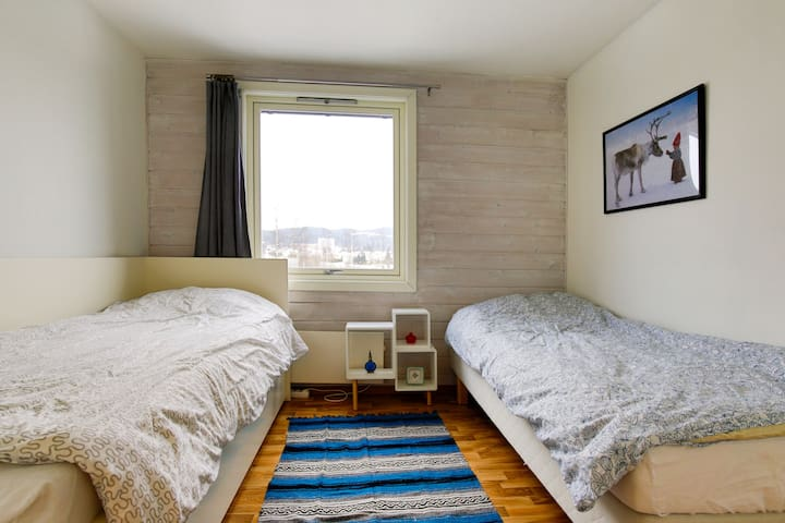 Nice room with view & free parking - Fjellhamar  - Apartemen