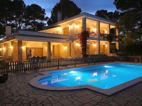 Villa de 6 dormitorios a 100 m del mar