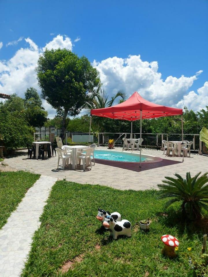 Casa de campo inteira com piscina em Praia Formosa