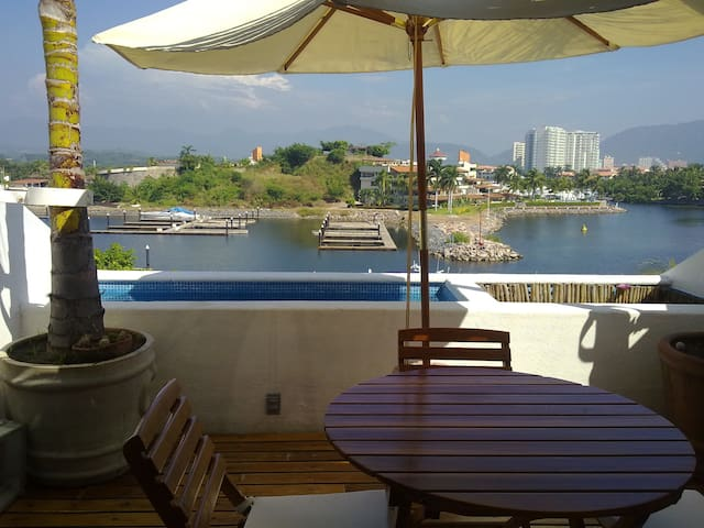 Incredible apartment in Porto Ixtapa private condo - Zihuantanejo - Huoneisto