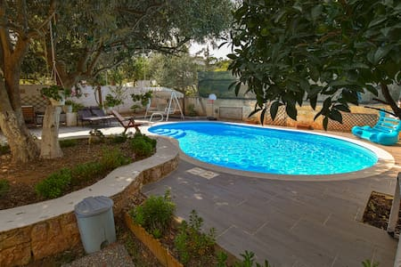 Voula House with Pool - Athens Riviera