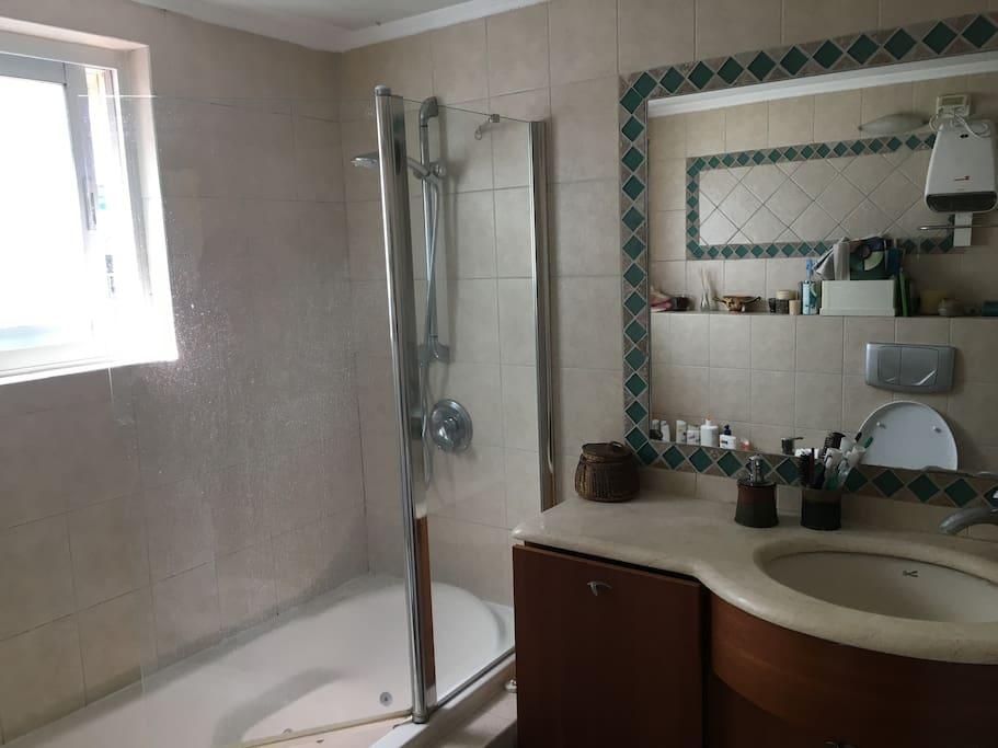 Bathroom/hot tub
