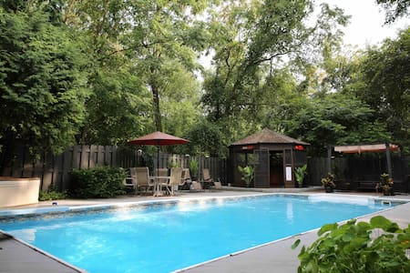 Mayberry Escape: Heated Pool Thru Sept 28th