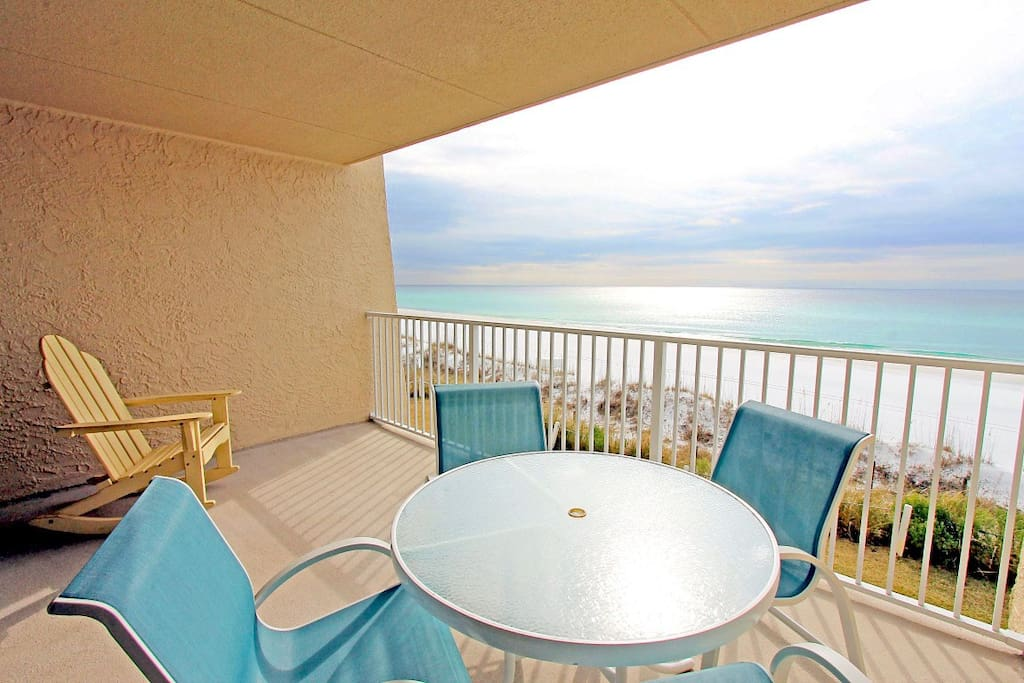 Imagine having your morning coffee right here!