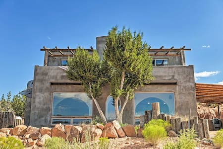 Secluded San Ysidro House w/ Desert Views!