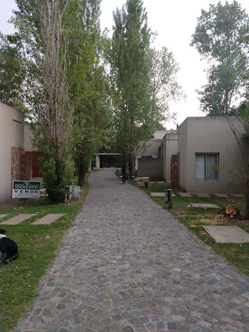 Departamento barrio Cinco Esquinas
