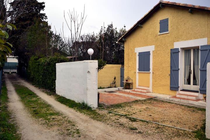 Maison individuelle, au calme - Marselha - Casa