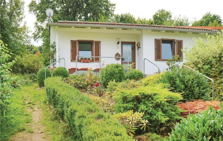 Holiday cottage with 3 bedrooms on 91 m² in Falkenstein