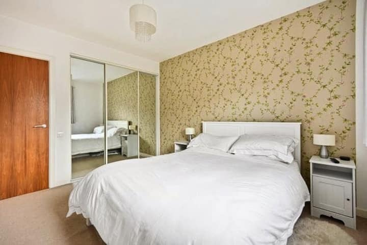 Luxury private room close to Canary Wharf